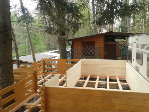 Bungalow in legno per campeggi