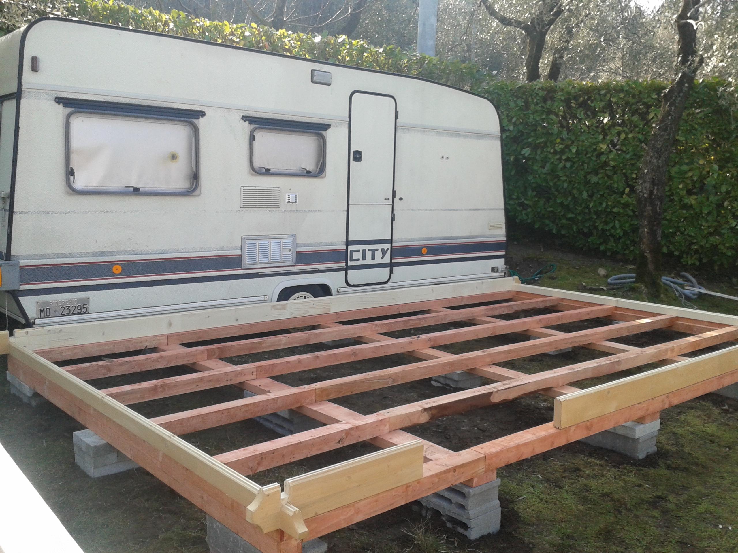 Preingressi roulotte in legno case in legno casette in for Costo casette di legno