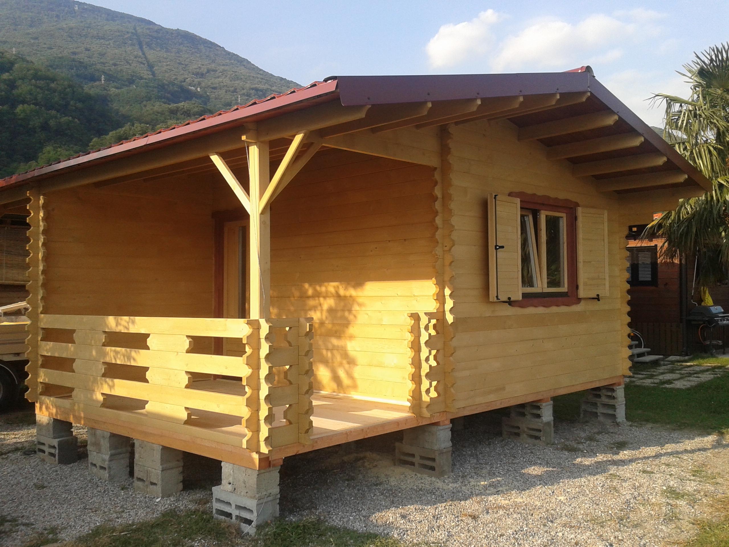 Bungalow invernali 40mm case in legno casette in legno for Durata casa in legno