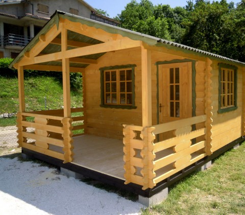 Casa in legno di abete 4x6 mt.