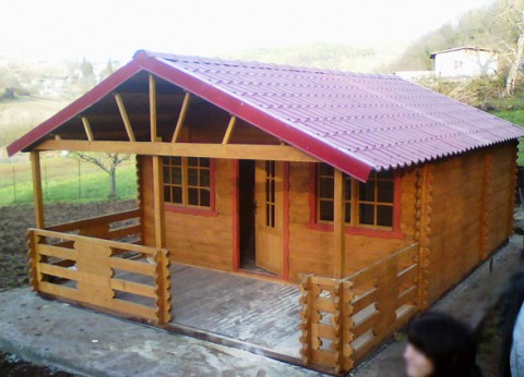 Casa in legno di abete 5x7 mt.