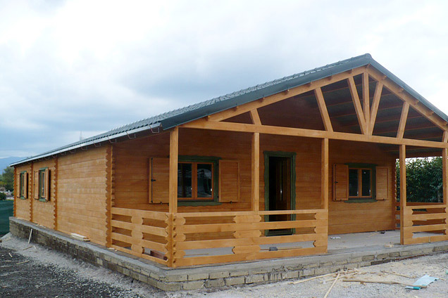 Casette in legno di abete 8x15 mt case in legno for Casette prefabbricate